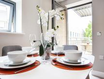Urban Living's - The Wesley Luxury City Apartments, Oxford