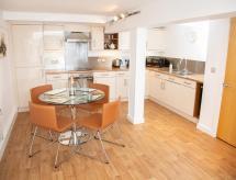 Beautiful Riverside Flour Mill Apartment No 5, Burton upon Trent