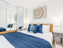 2 Bedroom Apartment - Sentinel Living Serviced Accommodation, Windsor with Free Parking and WiFi, Windsor