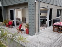 Bay Breeze Accommodation, Cooks Beach
