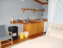 Manuka Lodge, Tryphena