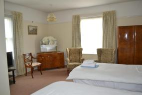 Twin Room with Garden View, Crondon Park Farmhouse Bed and Breakfast