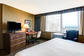 King Room with River View, Chateau Lacombe Hotel