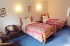 Twin Room with Shower, Belle Vue Country