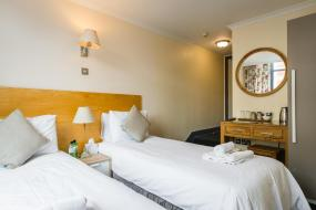 Twin Room, George Oxford Hotel