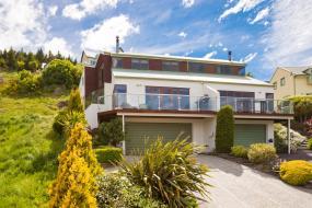 Four-Bedroom House, Queenstown Hill Haven