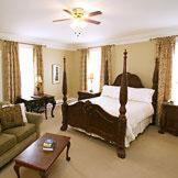 Superior Queen Room, DesBarres Manor Inn