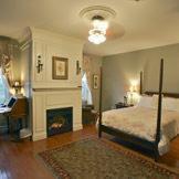 Premium Queen Room, DesBarres Manor Inn