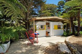 Caravan with Garden View, Wai-knot Accommodation