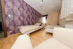 Pokój Trzyosobowy ze wspólną łazienką, Villa Hof