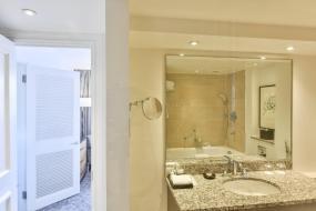 Regency King Suite with Lounge Access, Hyatt Regency London - The Churchill