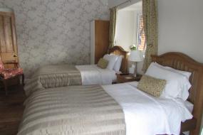 Twin Room, Decoy Barn Fritton