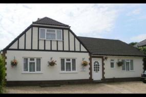 Self contained Studio with Private Bathroom, Pear tree cottage