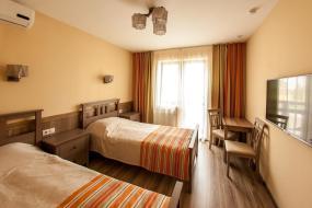 Односпальная кровать в общем номере, Park hotel Provans