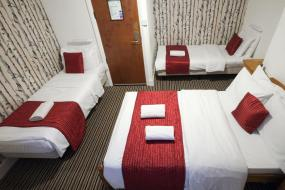 Quadruple Room with Private External Bathroom, St Athans Hotel