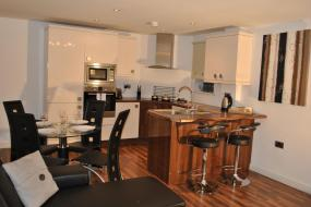 Two-Bedroom Deluxe Apartment - Extended Stay, Dreamhouse Apartments Manchester City West