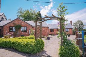 Cottage with Garden View, Millmoor Farm Holidays