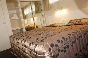 One-Bedroom Apartment with King Bed, Ashleigh Court Motel