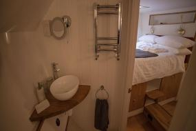 Double Room with Private Bathroom, Hotel Barge Waternimf