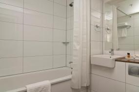 Superior Double Room, Copthorne Hotel & Resort Lakefront Queenstown