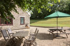 Holiday Home, Bramble Cottage