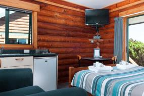 Double Room with Kitchenette, Shining Star Beachfront Accommodation