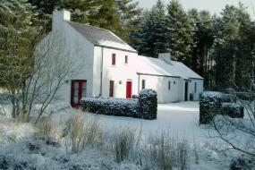 One-Bedroom Cottage, An Creagán Self Catering Cottages