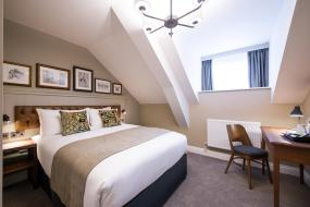 Double Room, Innkeeper's Lodge Huddersfield, Kirkburton