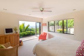 King Room with Sea View, Te Koha Lodge