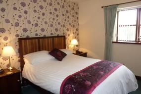 Classic Twin Room, Batemans Mill Hotel & Restaurant