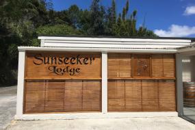 Double Room with Shared Bathroom, Sunseeker Lodge