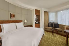 Classic Room, Guest room, 2 Twin/Single Bed(s), The Park Tower Knightsbridge, a Luxury Collection Hotel