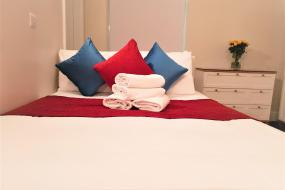 Deluxe Double Room, OYO The King William Hotel