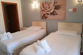Standard Twin Room, The Gardeners Country Inn