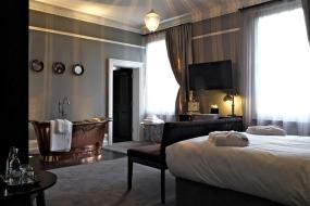 Deluxe Double Room, Poets House