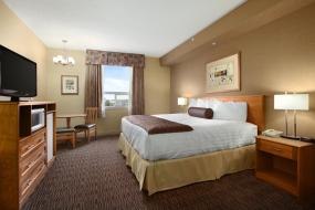 King Room - Non-Smoking, Days Inn & Suites by Wyndham West Edmonton