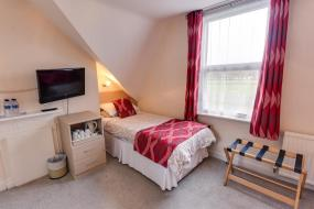 Triple Room, The Sportsview Guest House