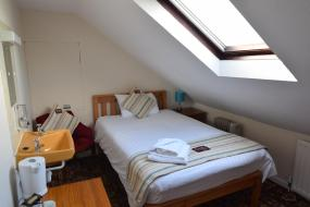 Single Room with Shared Bathroom, Castle Lodge