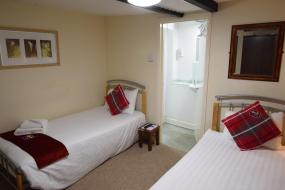 Twin Room with Private Bathroom, Castle Lodge