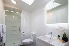 Three-Bedroom Apartment with Three Bathrooms, Koura Apartments Central Queenstown