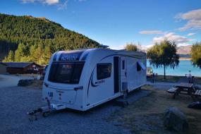 Quadruple Room with Lake View, Tekapo Exclusive Lakeside Mobile Home