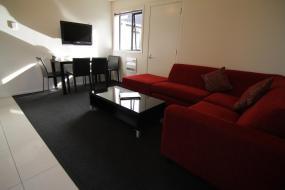 Executive Two-Bedroom Apartment, Metropolitan Motel on Riccarton
