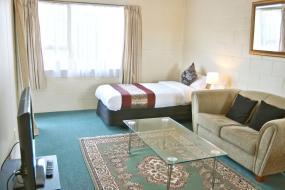 One-Bedroom Suite, Barcelona Motel