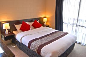 Two-Bedroom Villa, Barcelona Motel
