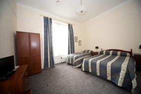 Family Room, Dellwood Hotel