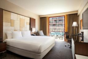 Номер с 1 кроватью размера «king-size», террасой и видом на бассейн, Hilton San Francisco Union Square