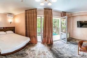 Семейный люкс с балконом, Отель Оскар