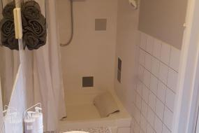 Deluxe Double Room with Shower, Red Lion