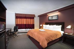 King Room, Coliseum Inn