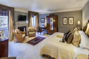 Suite, The Traddock